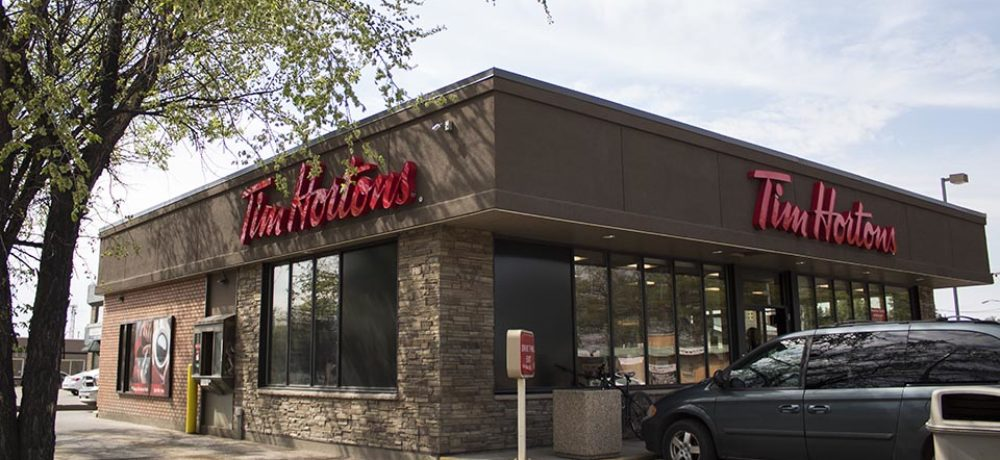 Maple Ave Restaurant Slider – Corner of Store